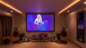 Experience our Full 3D Cinema / Hi - End Stereo